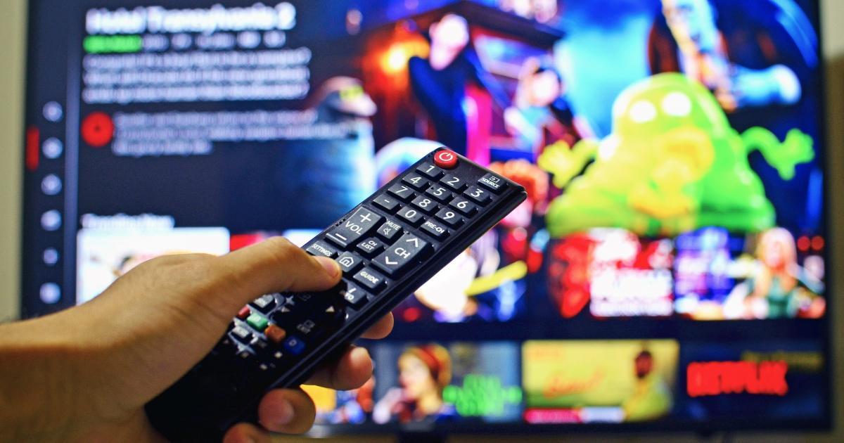 Netflix, Inc. (NASDAQ:NFLX) – Netflix Reports Q4 Sales Beat, Paid Memberships Up 21.9% YoY