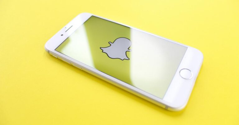 Snap Inc. (NYSE:SNAP), Apple Inc. (NASDAQ:AAPL) – 4 Snap Analysts Talk ARPU Outlook, TikTok Rivalry, Apple Privacy Changes