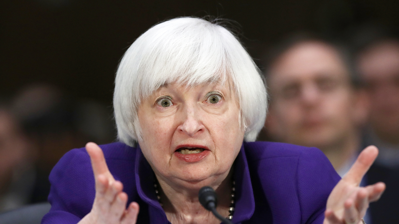 Janet Yellen Warns Bitcoin Is 'Extremely Inefficient' and 'Highly Speculative' as BTC Price Plunges – Bitcoin News