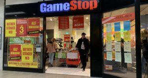 Gamestop Corporation (NYSE:GME), (AMC) – GameStop Can Justify Its Valuation By Turning Into A '5,000-Store Introduction To Crypto,' Says Cramer