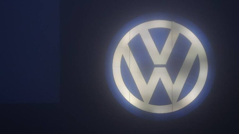 A minor important detail in the VW squeeze.