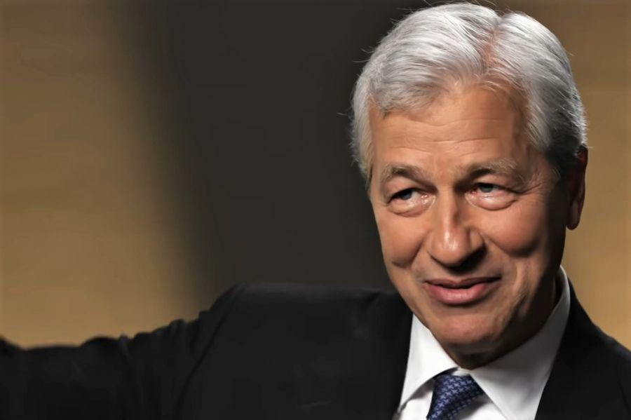Hedge Fund Giant Invests In Bitcoin Trust, JPMorgan's CEO On Crypto Regulation + More News