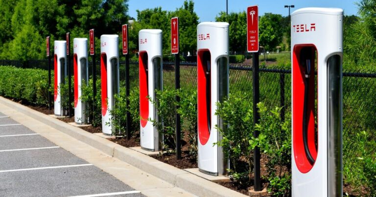 (CHPT), (BLNK) – Why ChargePoint, Blink Are This Cowen Analyst's Top Picks In EV Charging Sector